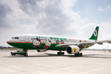 hello_kitty_taiwan_eva_airways.jpg